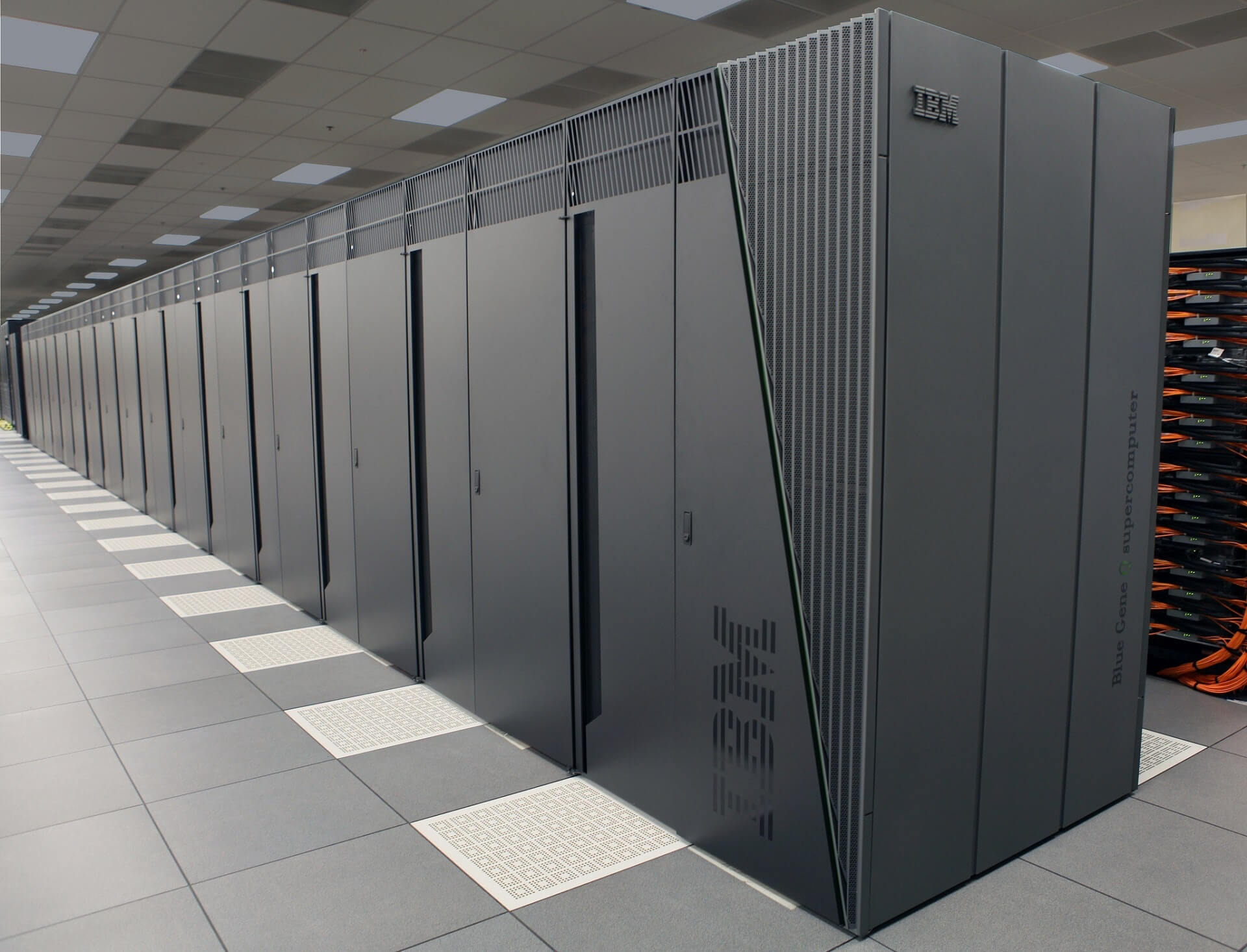 airport-center-computing-236093.jpg