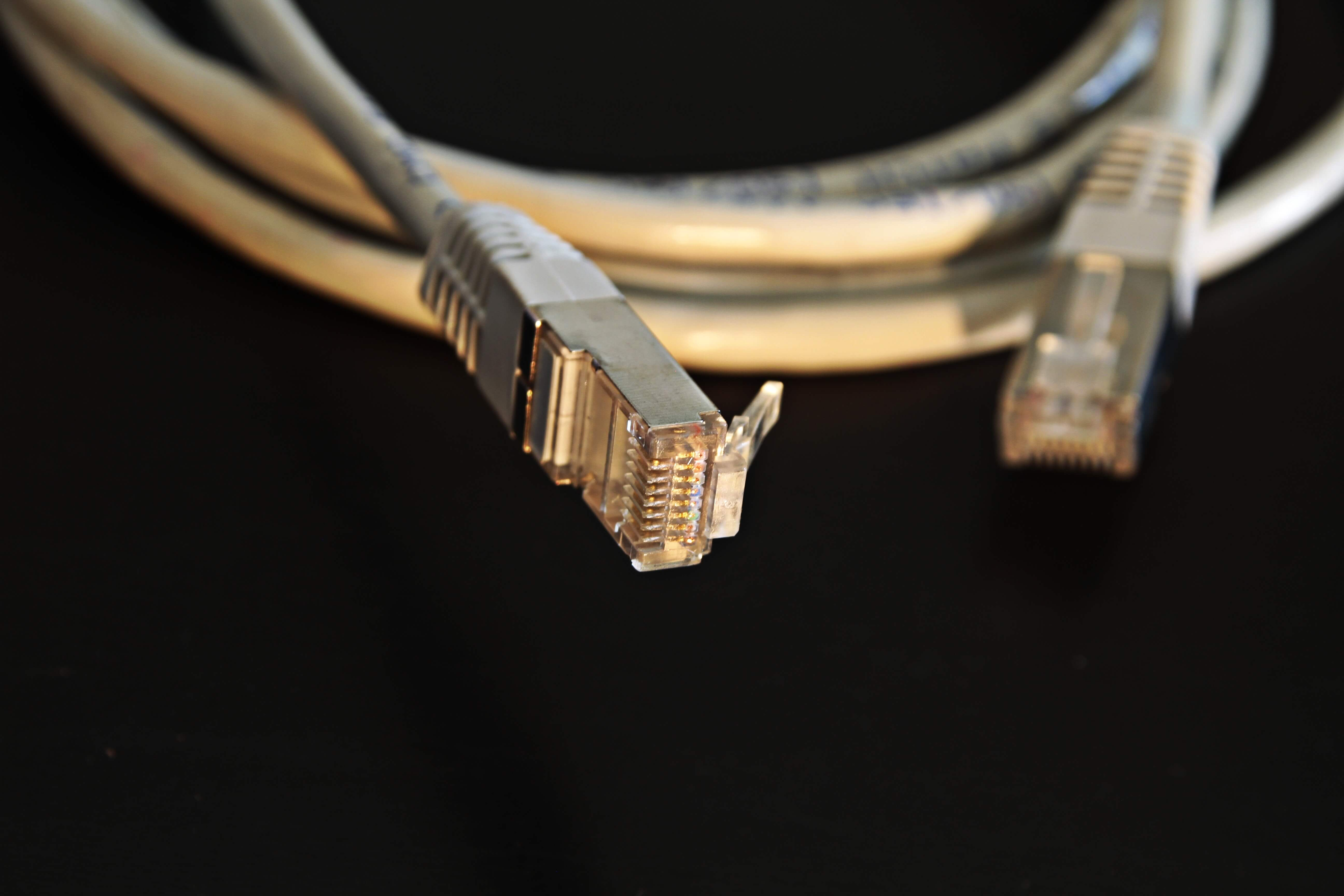 close-up-cord-ethernet-cable-163047_1.jpg